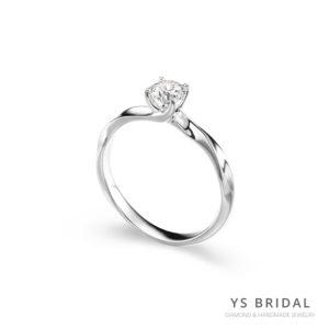 鉑金鑽戒-扭轉線條訂婚鑽戒