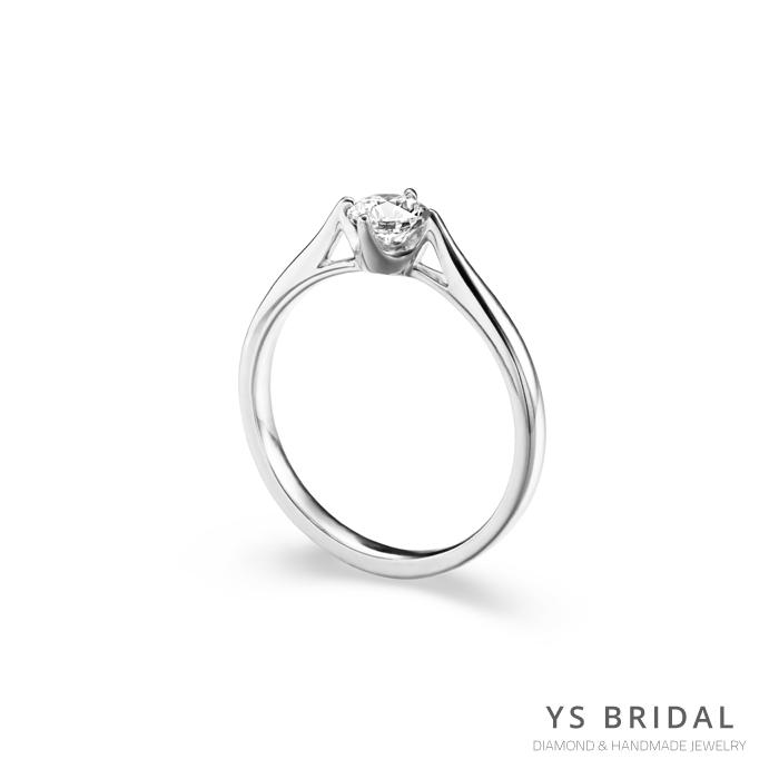 鉑金鑽戒-極簡四爪訂婚鑽戒